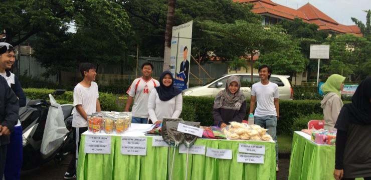 UKM Binaan FPK-UNAIR Berpartisipasi dalam Bazar