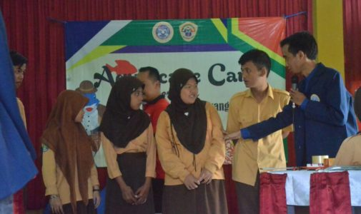 """ACAR"" (AQUASCAPE CARE)  As a Means of Increasing Creativity and Communication in Children with Special Needs At SMPBL Negeri Banyuwangi"