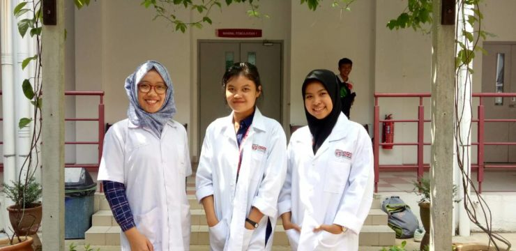 Tiga Srikandi FPK Go International Melalui Asean University Network (AUN)