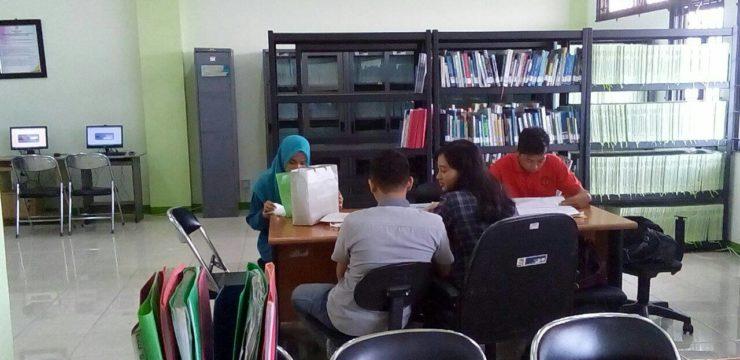 Renovasi Baru Ruang Baca Dan Komputer Fakultas Perikanan dan Kelautan  Universitas Airlangga