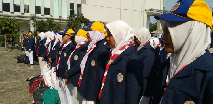 Hari Pertama Masuk Jadi Warga UNAIR, 289 Mahasiswa Baru FPK UNAIR Disambut Seluruh Civitas Akademika