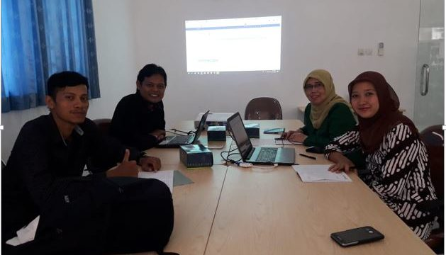 Benchmarking Jurnal JIPK Fakultas Perikanan Dan Kelautan Ke Universitas Gajah Mada