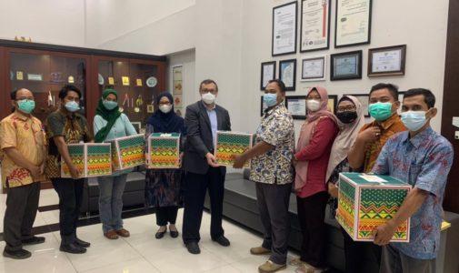 Bingkisan Hari Raya Idul Fitri 1442 H FPK Universitas Airlangga